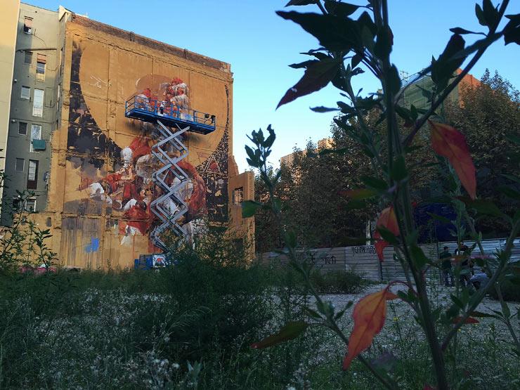 brooklyn-street-art-Borondo-Fernando-Alcala-open-walls-barcelona-2015-web-1